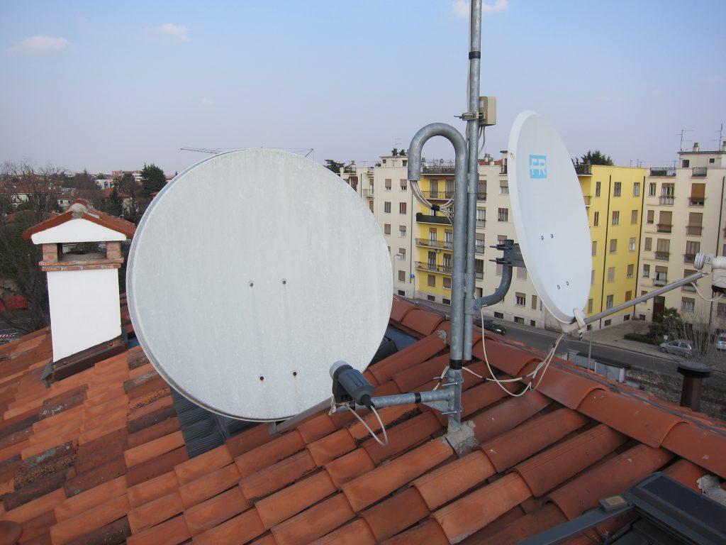 Antenna parabola satellite